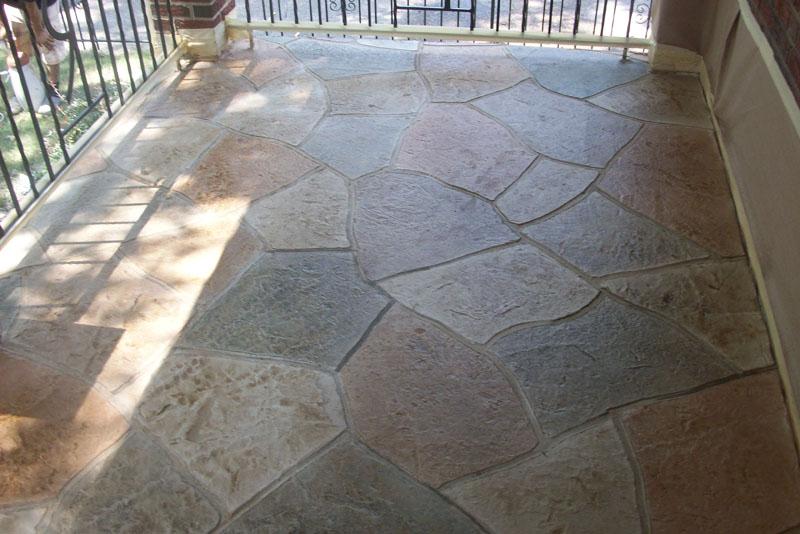 Outdoor living with concrete floor